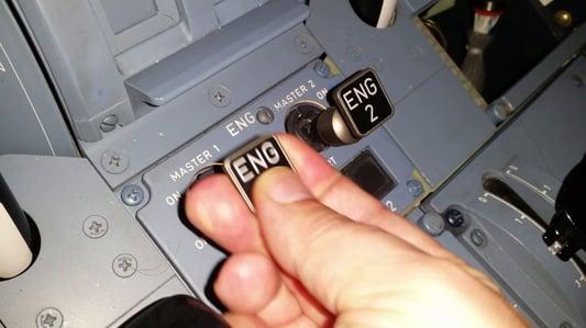 cockpit-pilot-engine
