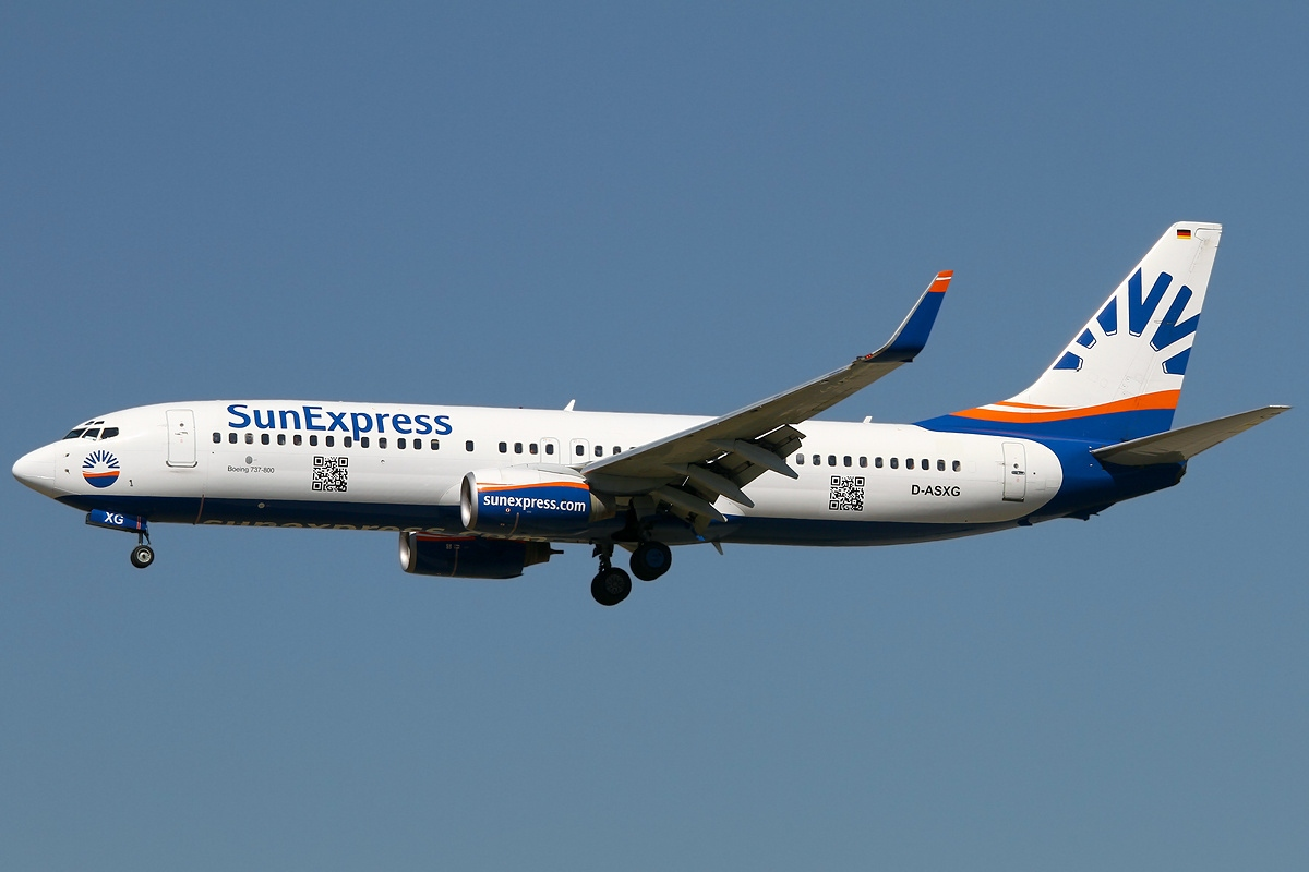 Boeing_737-8CX,_Sun_Express_AN2162224