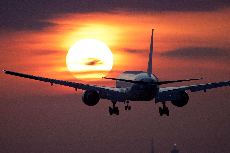 landing-aircraft