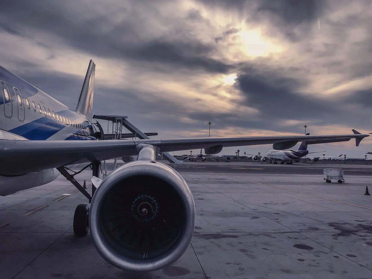 plane-on-ground
